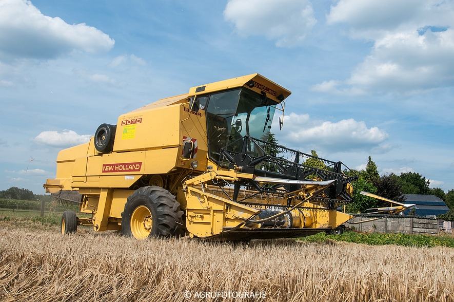 New Holland CX 8050 & New Holland Clayson 8070 (Graan, 31-07-2015) (26 van 165)