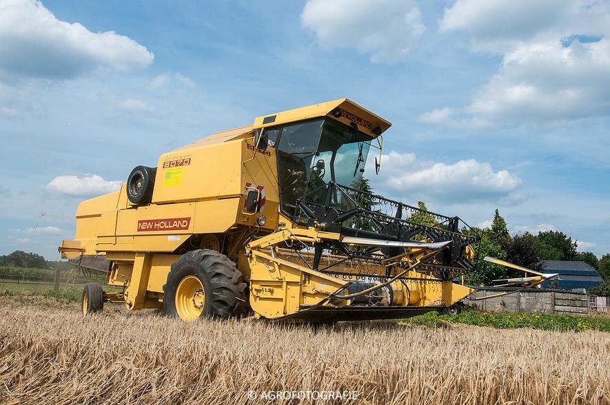 New Holland CX 8050 & New Holland Clayson 8070 (Graan, 31-07-2015) (26 van 165)