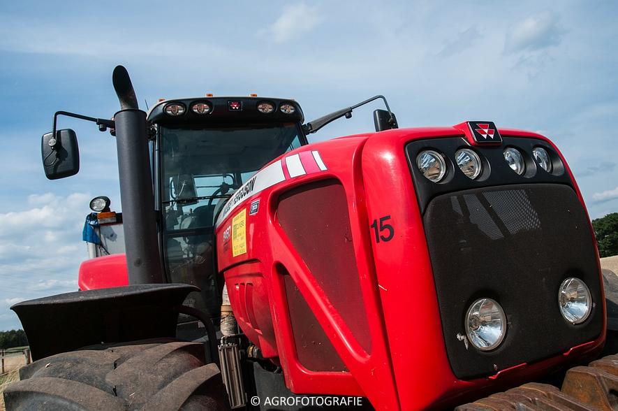New Holland CX 8050 & New Holland Clayson 8070 (Graan, 31-07-2015) (70 van 165)
