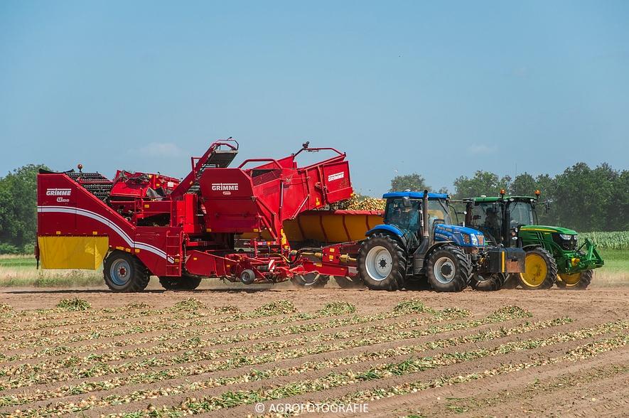 New Holland T6.160 + Grimme SE 150-60 & John Deere (Uienladen, Maas Kessel + Smeets) (40 van 78)