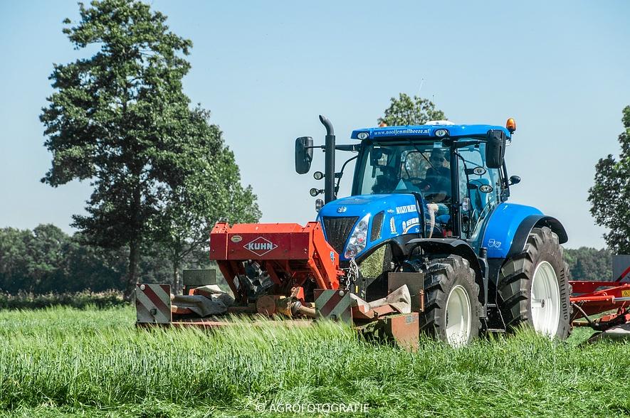 New Holland T7.220 + Kuhn FC 883 (Nooijen, 01-07-2015) (13 van 53)