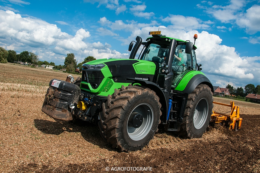 Deutz-Fahr Agrotron 9340 (poseren + diepwoelen, 28-08-2015) (103 van 116)