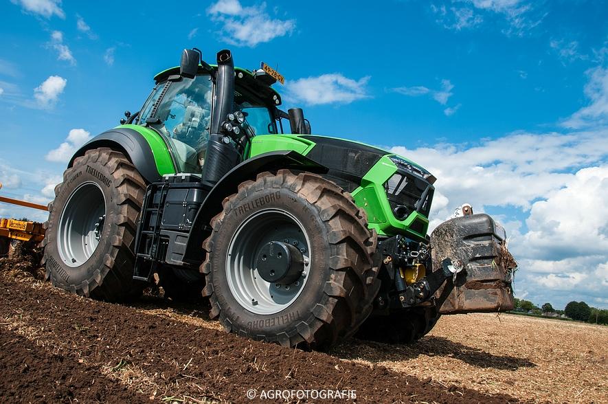 Deutz-Fahr Agrotron 9340 (poseren + diepwoelen, 28-08-2015) (82 van 116)