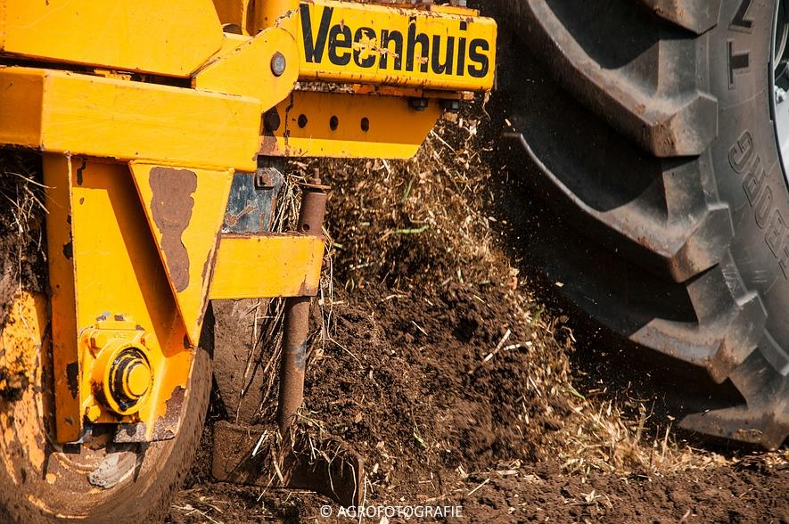 Deutz-Fahr Agrotron 9340 (poseren + diepwoelen, 28-08-2015) (84 van 116)