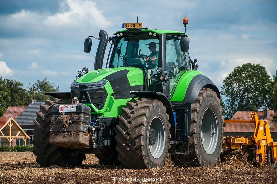 Deutz-Fahr Agrotron 9340 (poseren + diepwoelen, 28-08-2015) (88 van 116)