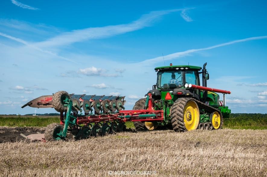 John Deere 8295 RT + Kverneland LD 100 Vario (Ploegen, 10-09-2015, Waalkens) (12 van 45)
