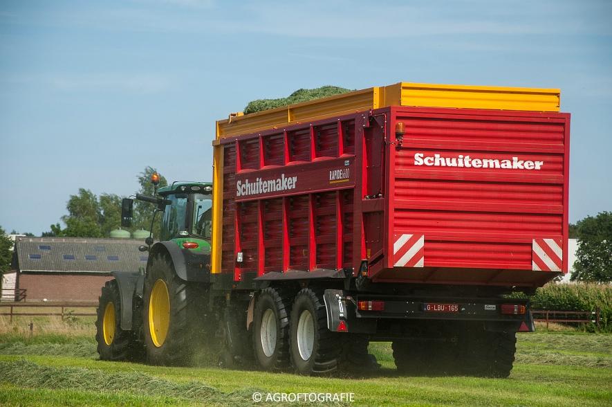 John Deere 6215R + Schuitemaker Rapide 6600 (03-08-2015) (33 van 39)