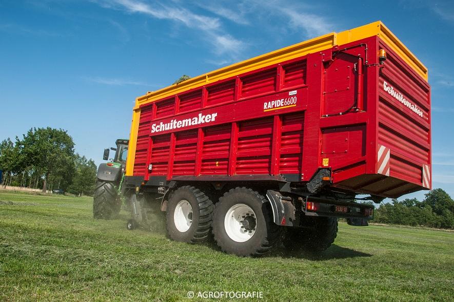 John Deere 6215R + Schuitemaker Rapide 6600 (03-08-2015) (7 van 39)
