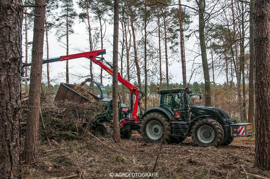 Valtra S374 + Jens HEM 561 (Vandervelden, 06-12-2015) (20 van 28)