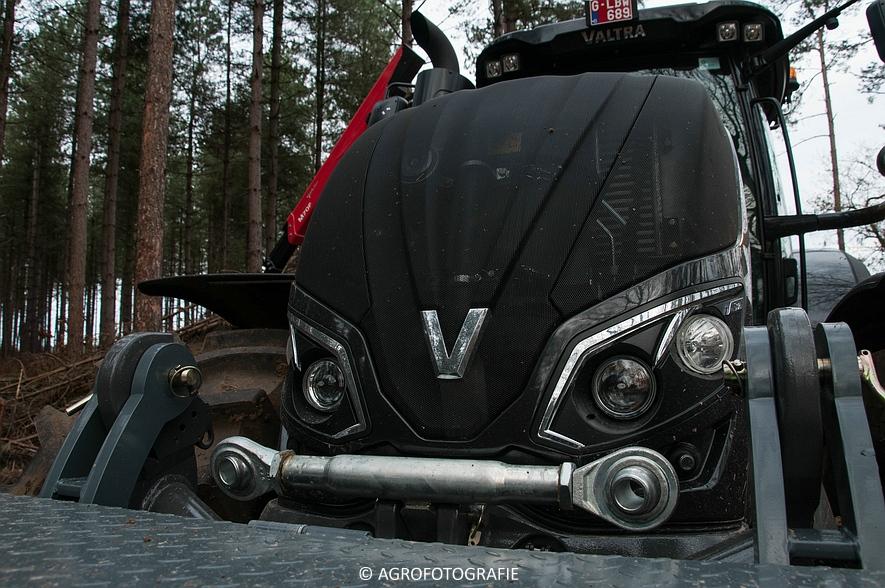 Valtra S374 + Jens HEM 561 (Vandervelden, 06-12-2015) (4 van 28)