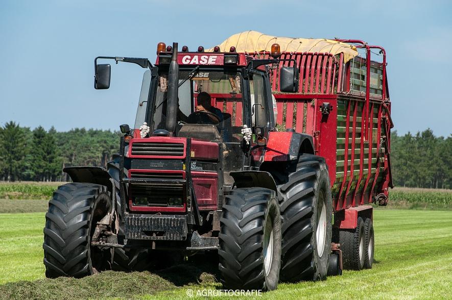 Case IH 150 CVX & Case International 1455XL + Strautmann Super Vitesse (22-08-2015) (27 van 35)