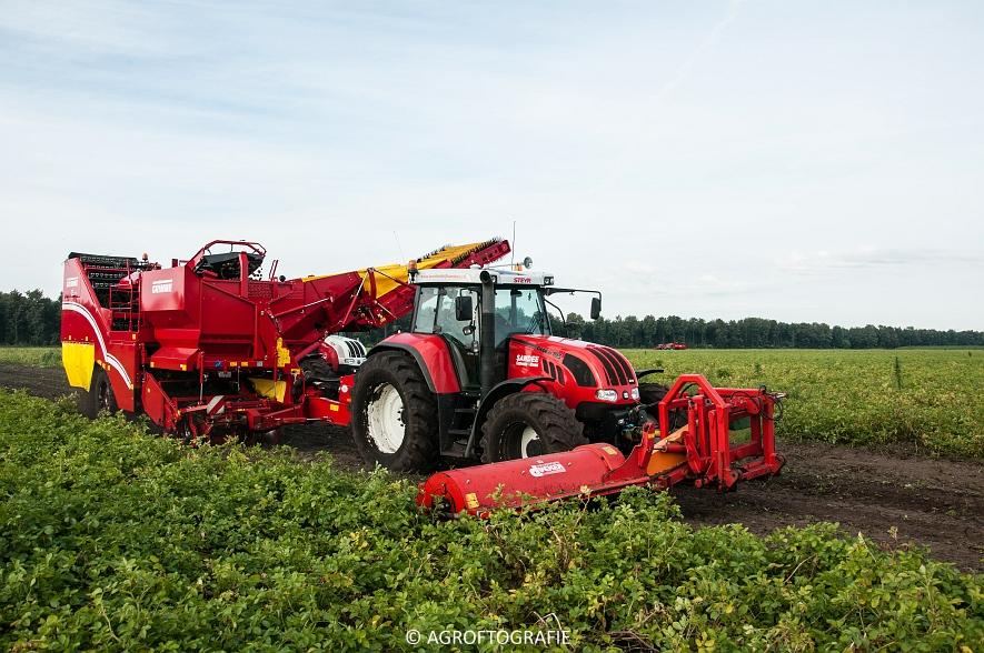 Case IH 175 CVX & Steyr + Grimme SE 150-60 (Aardappelen rooien, Sandee, 10-09-2015) (24 van 60)