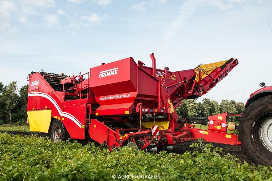 Case IH 175 CVX & Steyr + Grimme SE 150-60 (Aardappelen rooien, Sandee, 10-09-2015) (49 van 60)
