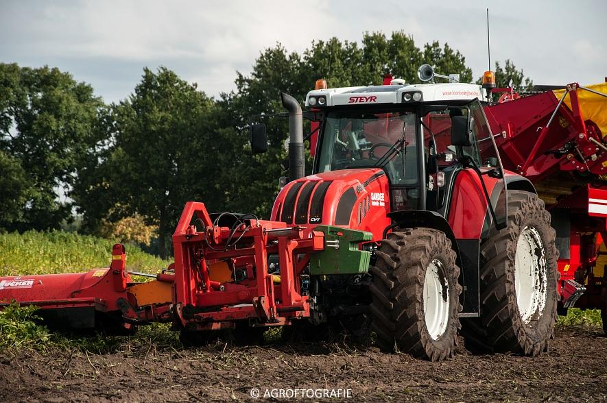 Case IH 175 CVX & Steyr + Grimme SE 150-60 (Aardappelen rooien, Sandee, 10-09-2015) (51 van 60)