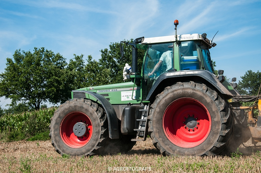 Fendt 824 + Schuitemaker Robusta (Bouwland, Van De Kruys, 31-08-2015) (14 van 49)