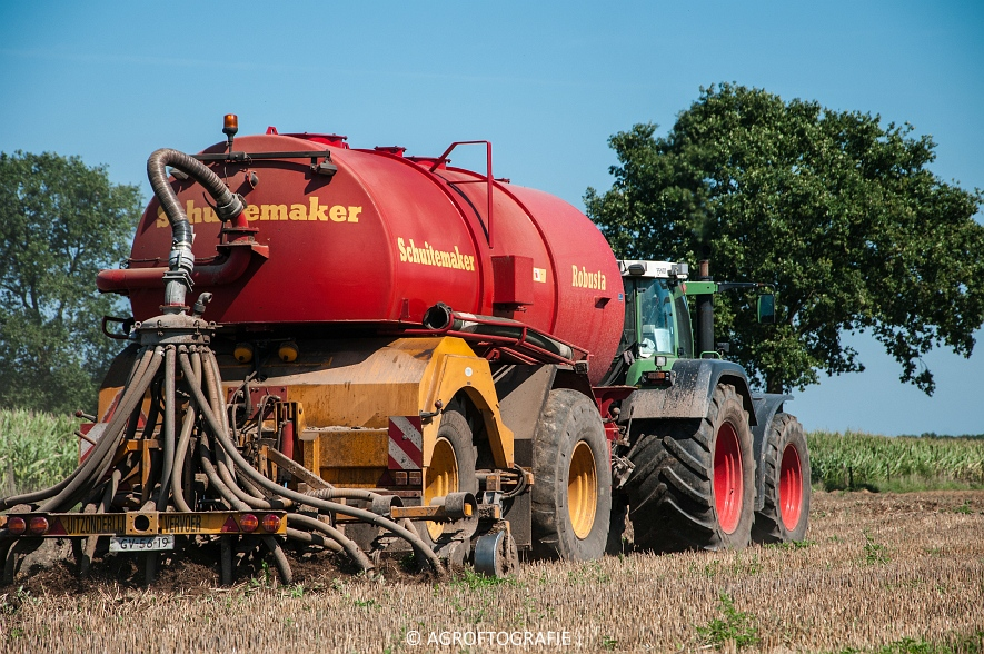 Fendt 824 + Schuitemaker Robusta (Bouwland, Van De Kruys, 31-08-2015) (28 van 49)