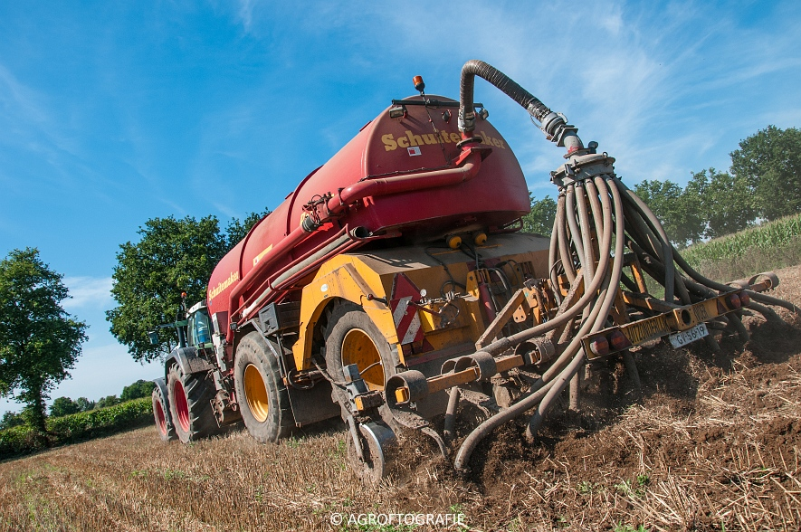 Fendt 824 + Schuitemaker Robusta (Bouwland, Van De Kruys, 31-08-2015) (39 van 49)