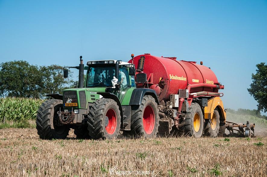 Fendt 824 + Schuitemaker Robusta (Bouwland, Van De Kruys, 31-08-2015) (9 van 49)