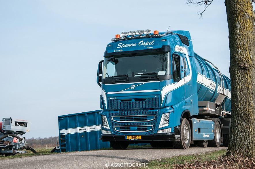 Massey Ferguson 6616 Dyna-VT (Sleepslang, 18-02-2016, Van Helmond) (1 van 43)