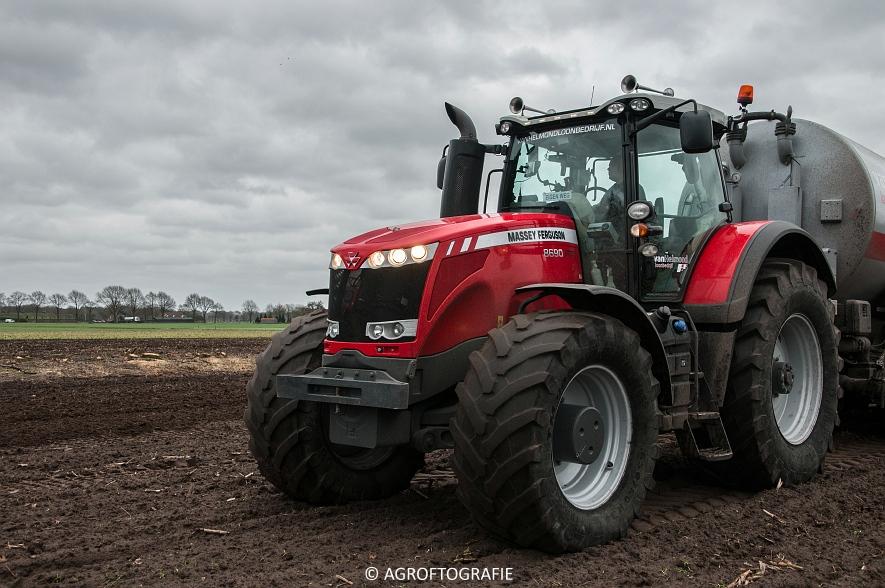 Massey Ferguson 7495 & 8690 Van Helmond Agrofotografie (10)