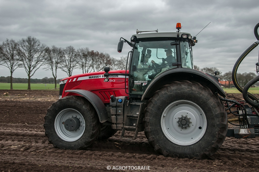 Massey Ferguson 7495 & 8690 Van Helmond Agrofotografie (16)
