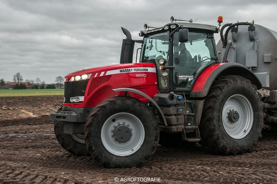 Massey Ferguson 7495 & 8690 Van Helmond Agrofotografie (17)