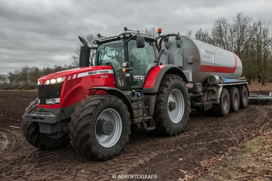 Massey Ferguson 7495 & 8690 Van Helmond Agrofotografie (18)
