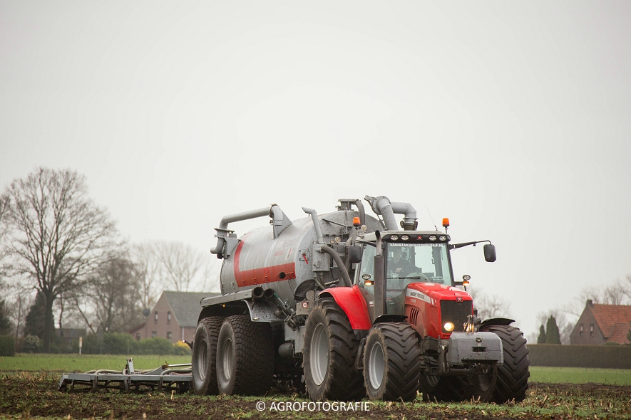 Massey Ferguson 7495 & 8690 Van Helmond Agrofotografie (3)
