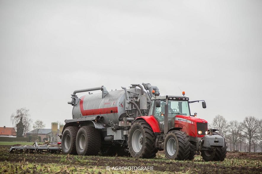 Massey Ferguson 7495 & 8690 Van Helmond Agrofotografie (4)