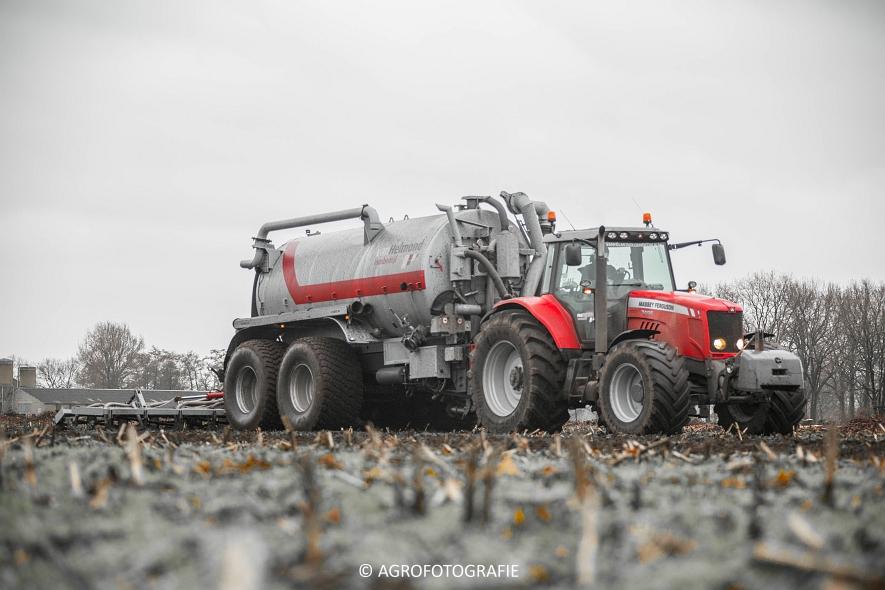 Massey Ferguson 7495 & 8690 Van Helmond Agrofotografie (5)