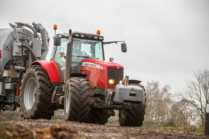 Massey Ferguson 7495 & 8690 Van Helmond Agrofotografie (6)