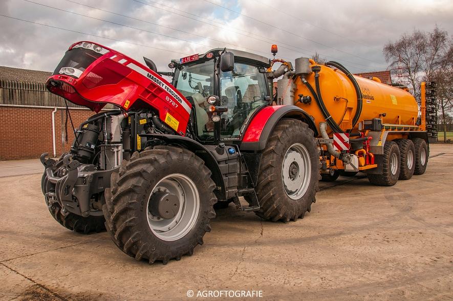 Massey Ferguson 8727 Dyna-VT (Poseren, 15-02-2016) (26) agrofotografie
