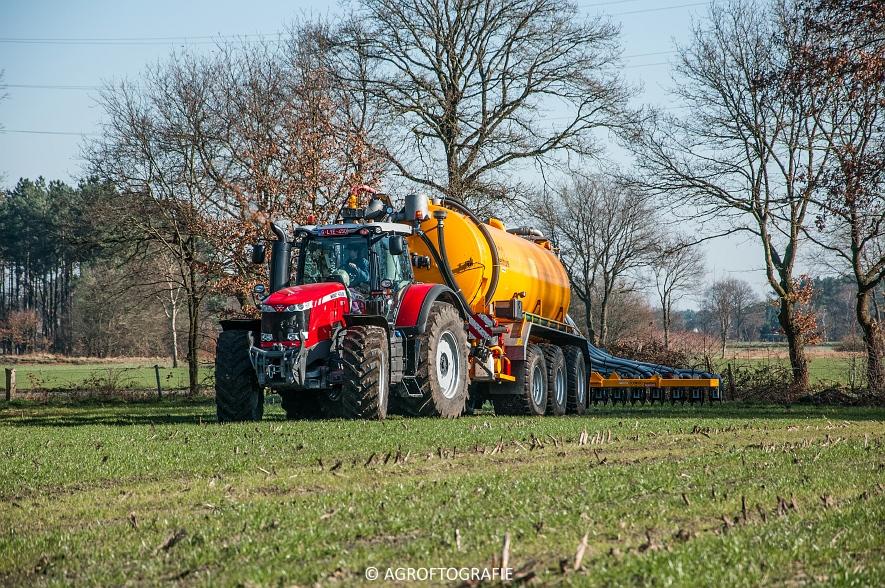 Massey Ferguson 8727 Dyna-VT + VMR Veenhuis (Grasland, 16-02-2016) (40 van 49) agrofotografie