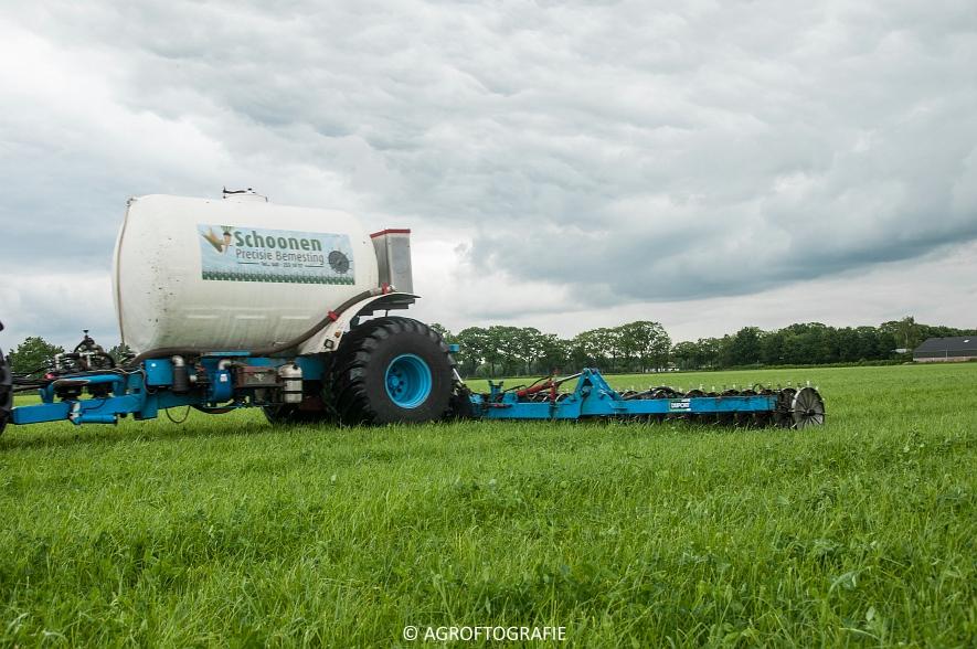 New Holland TM 165 + Duport (Stikstofbemesting, Schoonen, 23-06-2015) (24 van 36)