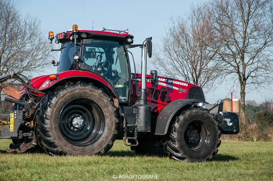 Case IH Puma 240 CVX + VMR Veenhuis (Grasland, 29-02-2016, Bart Sprangers) (27 van 65) agrofotografie
