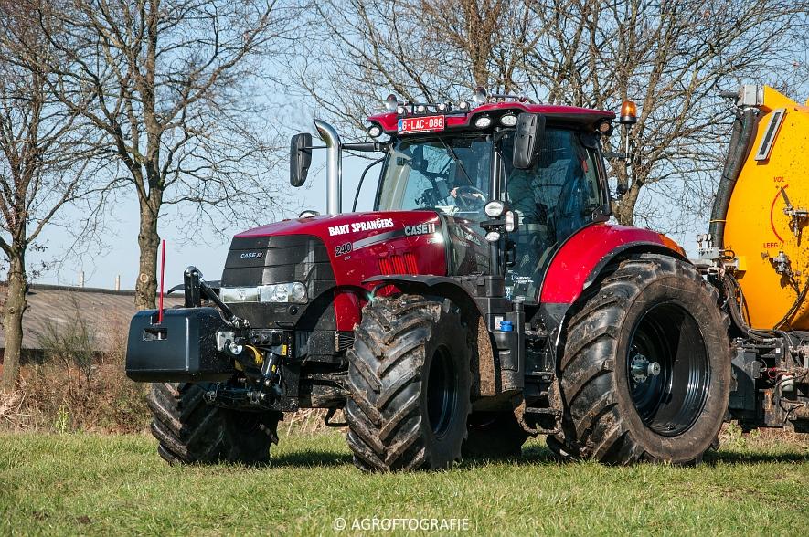 Case IH Puma 240 CVX + VMR Veenhuis (Grasland, 29-02-2016, Bart Sprangers) (3 van 65) agrofotografie