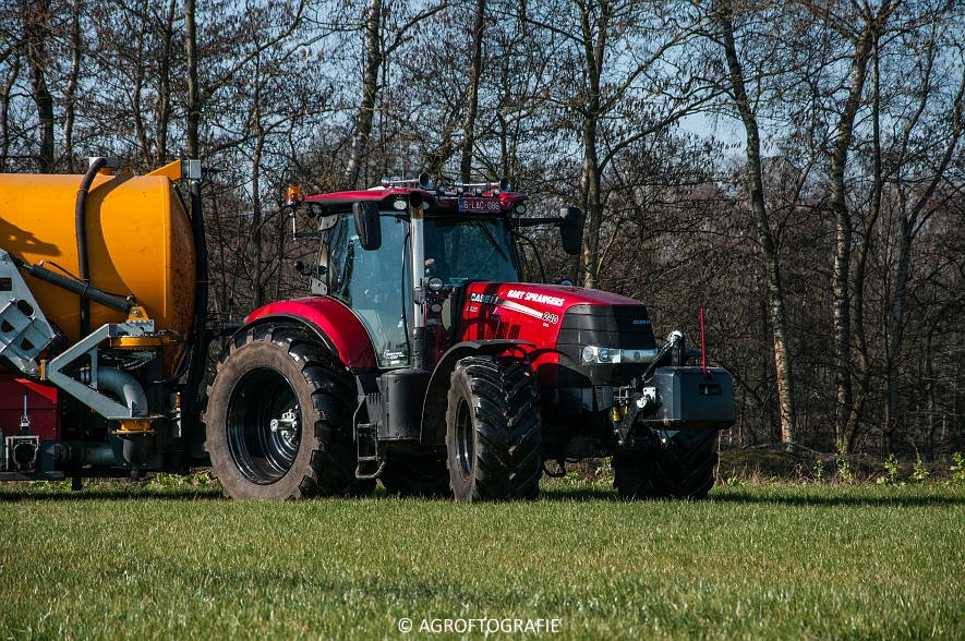 Case IH Puma 240 CVX + VMR Veenhuis (Grasland, 29-02-2016, Bart Sprangers) (44 van 65) agrofotografie