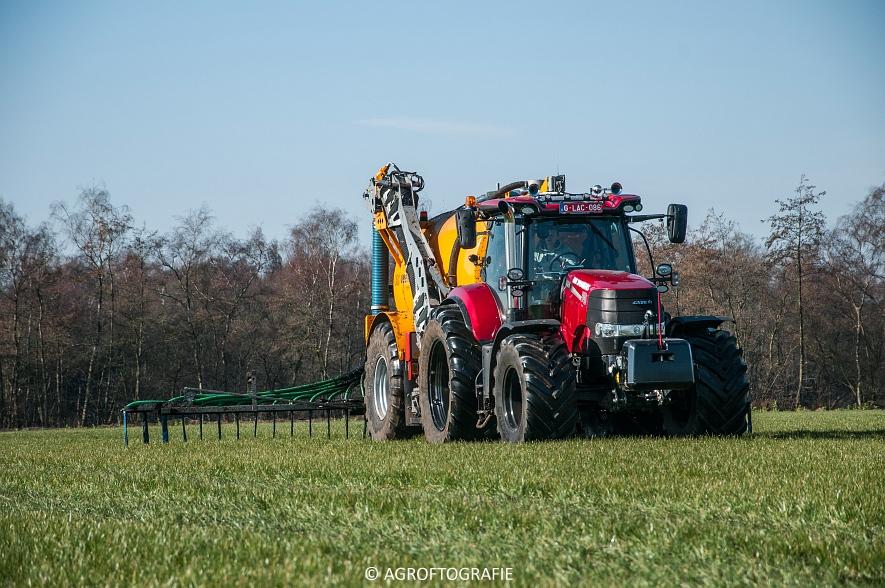 Case IH Puma 240 CVX + VMR Veenhuis (Grasland, 29-02-2016, Bart Sprangers) (7 van 65) agrofotografie