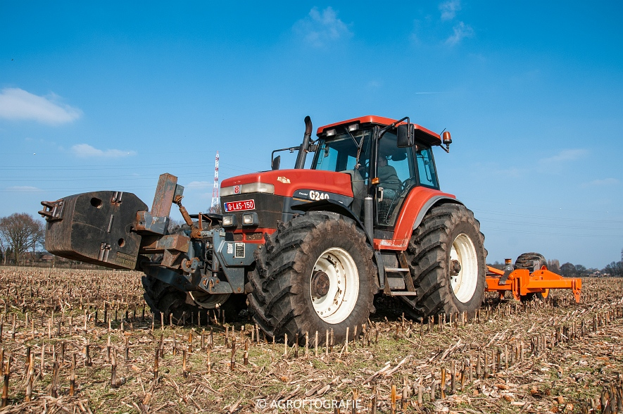 Fiatagri G240 + Asterix W 5-25-7 (Diepgronden, Rooiakkers, 12-03-2016) (19)