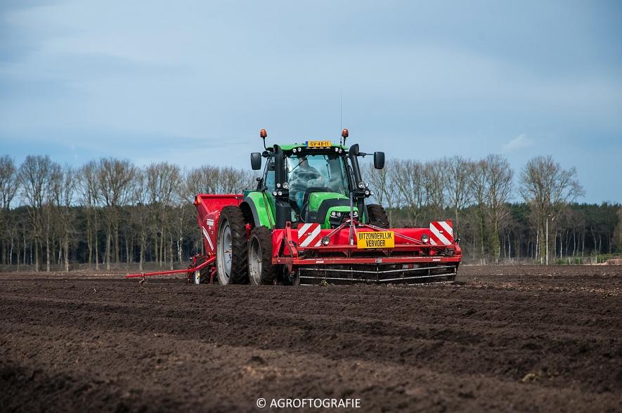Deutz-Fahr Agrotron 6180 TTV & New Holland T7030 + Grimme GL (Van Gompel-Van Sambeeck, 04-04-2016) (3 van 54)