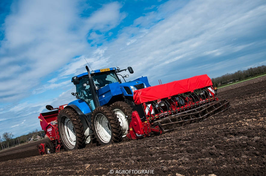 Deutz-Fahr Agrotron 6180 TTV & New Holland T7030 + Grimme GL (Van Gompel-Van Sambeeck, 04-04-2016) (32 van 54)