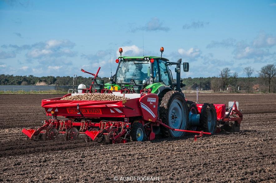 Deutz-Fahr Agrotron 6180 TTV & New Holland T7030 + Grimme GL (Van Gompel-Van Sambeeck, 04-04-2016) (40 van 54)