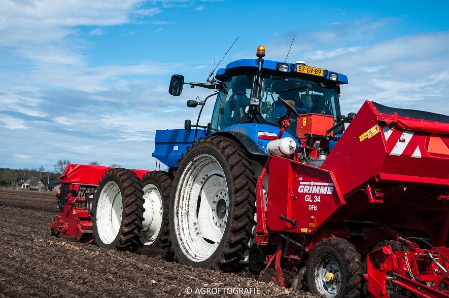 Deutz-Fahr Agrotron 6180 TTV & New Holland T7030 + Grimme GL (Van Gompel-Van Sambeeck, 04-04-2016) (46 van 54)