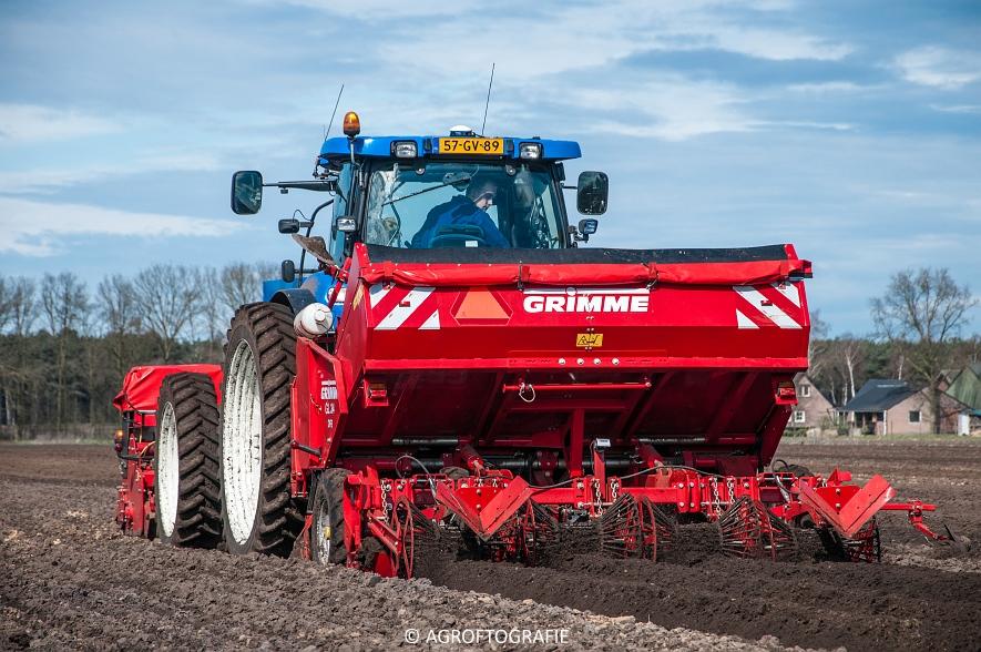 Deutz-Fahr Agrotron 6180 TTV & New Holland T7030 + Grimme GL (Van Gompel-Van Sambeeck, 04-04-2016) (51 van 54)