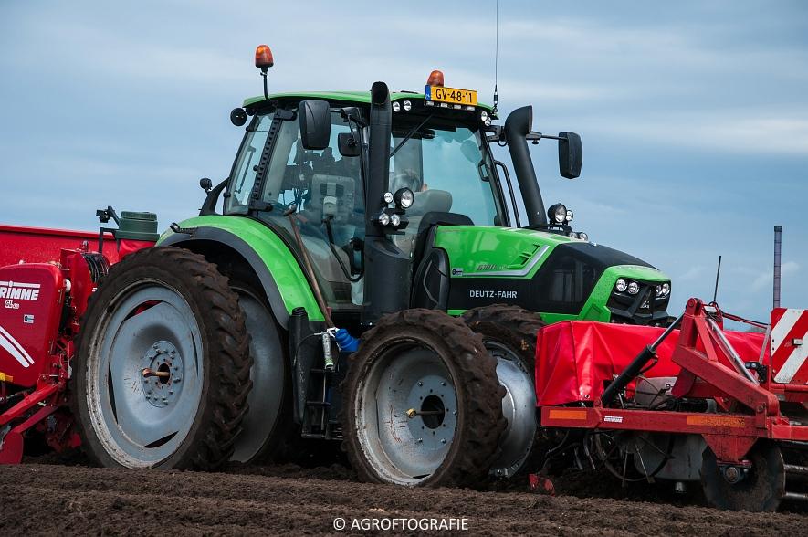 Deutz-Fahr Agrotron 6180 TTV & New Holland T7030 + Grimme GL (Van Gompel-Van Sambeeck, 04-04-2016) (9 van 54)