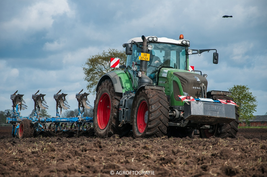 Fendt 933 & 924 + Schuitemaker Robusta & Fendt 930 + Lemken (Van Hal, 25-04-2016) (30 van 86)