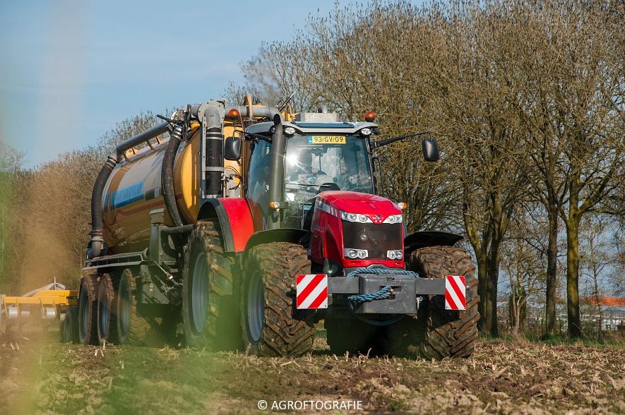 Massey Ferguson 8690 + USA equipment 8000 (Bouwland, Mart Munsters, 11-04-2016) (49 van 77)