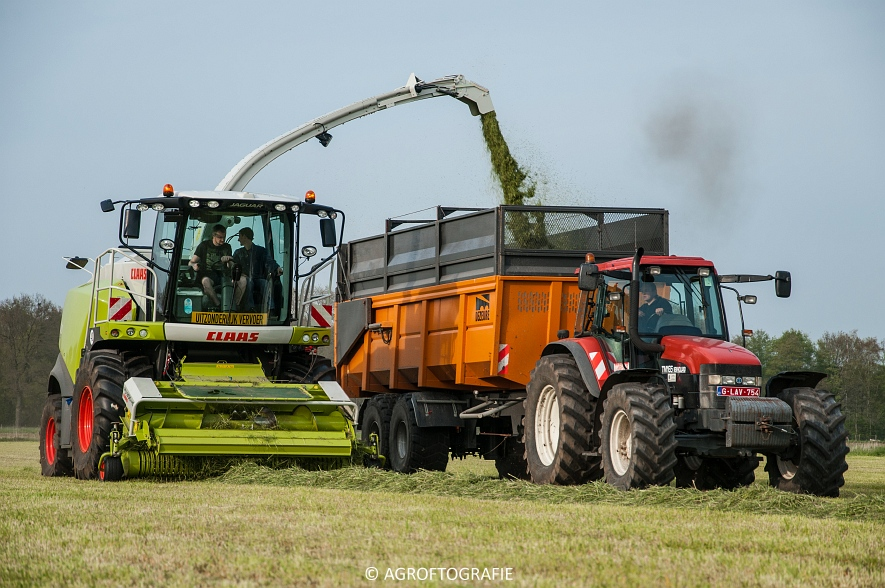 Claas Jaguar 860 + New Holland T7060 & TM 165 (Gras, 02-05-2016) (66 van 100)