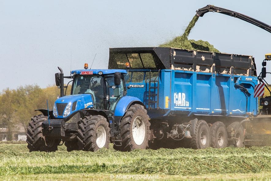 New Holland Fr700 (5)