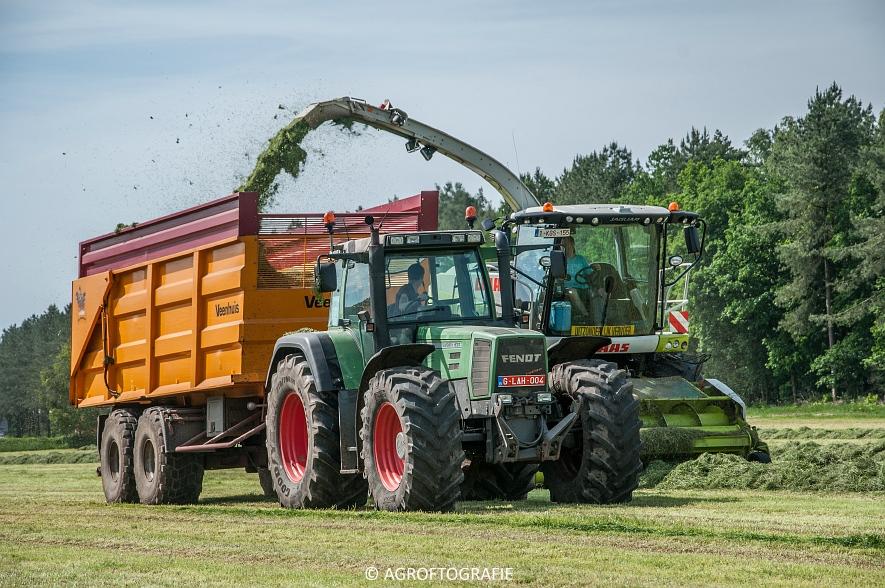 JCB 435s Agri & Claas Jaguar 960 + Deutz-Fahr & Fendt (Gras, Maes, 11-06-2016) (11 van 156)jpg